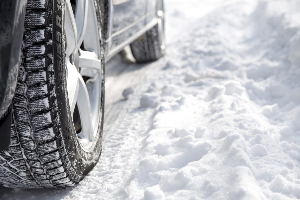 driving on ice tips